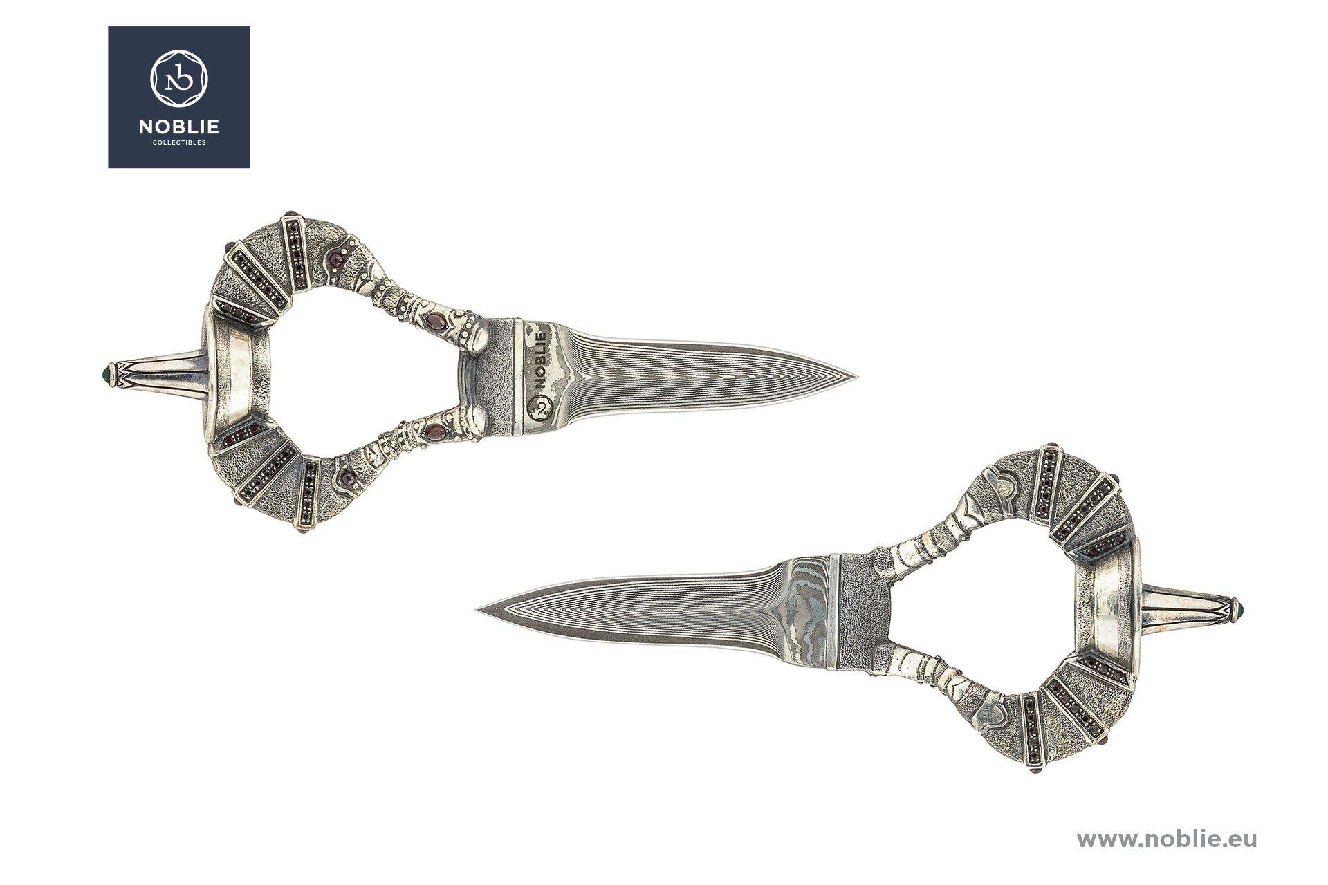 handmade custom knife sculpture