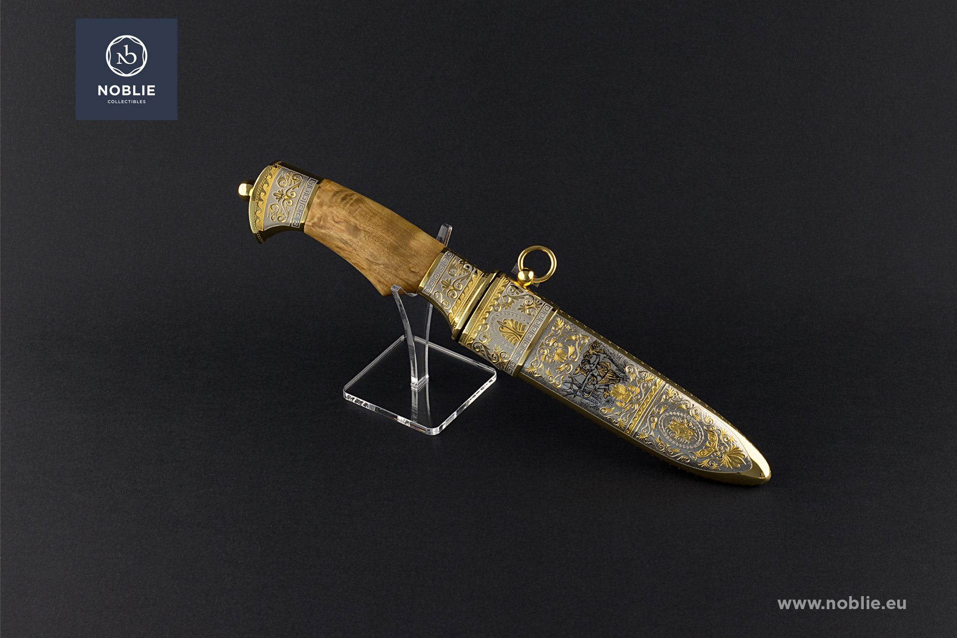 "collectible blade ""Artemis"""